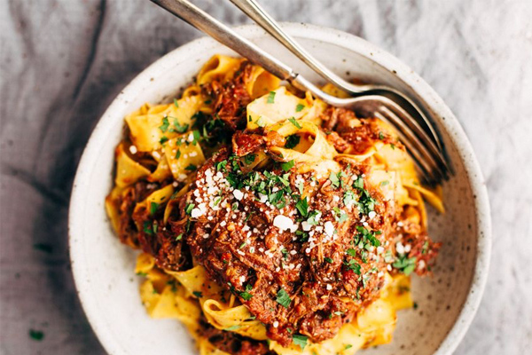 spaghetti bolognese, beef rage, food cravings