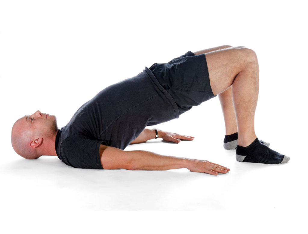 Комплекс упражнений мужчинам для рук в домашних условиях