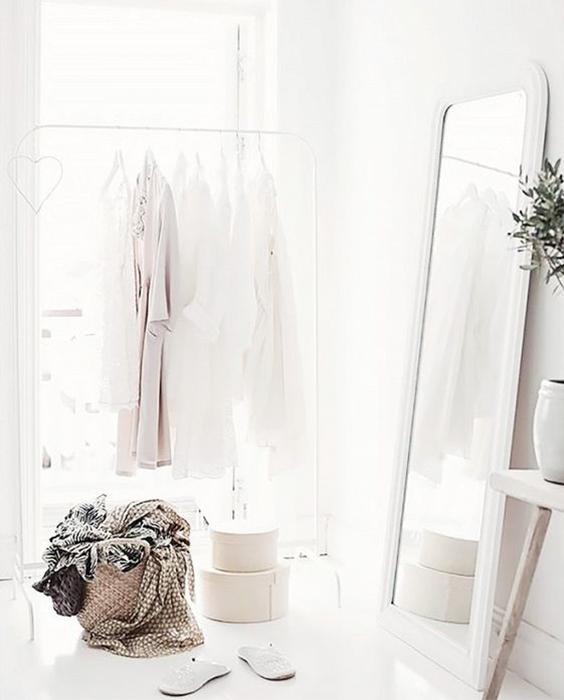 minimalism, how to go minimalist, decluttering