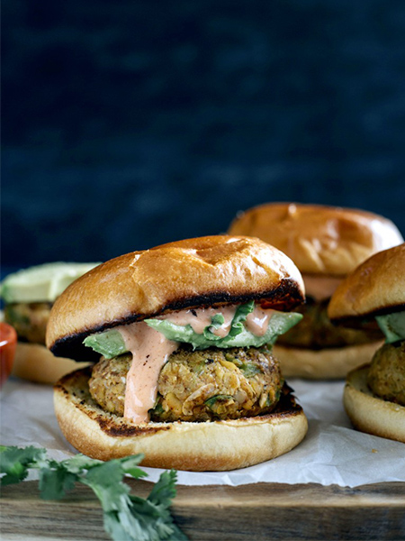 Cajun Chickpea Burger, veggie burger, healthy recipes, vegan, vegetarian