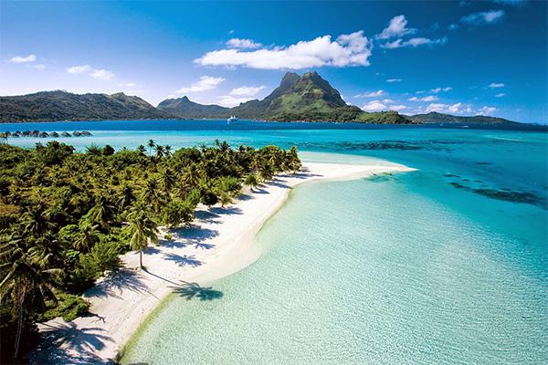 Mature Beach, Bora Bora, Tahiti, white sand