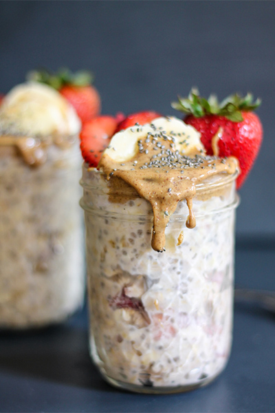 Almond Butter, Strawberry, and Banana Overnight Oats with Chia, breakfast recipes