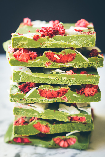 white chocolate and matcha bark, healthy holiday treats, healthy christmas desserts