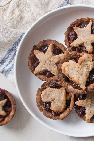 healthy holiday treats, healthy christmas desserts, mince pies, healthy mince pies, deliciously ella, gluten free mince pies