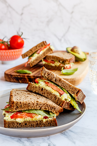 basil and tomato sandwich, healthy lunch, amelia phillips, ING direct