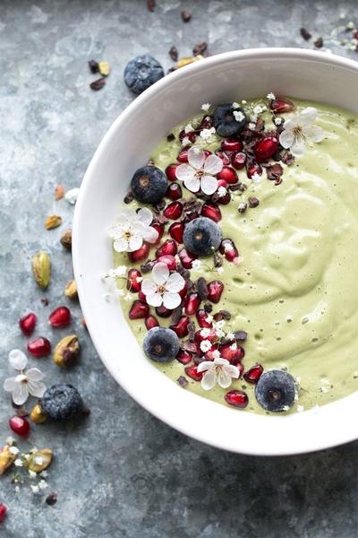 green smoothie bowl, smoothie bowl