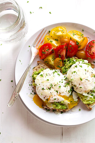 Simple Poached Egg And Avocado Toast, breakfast, recipes