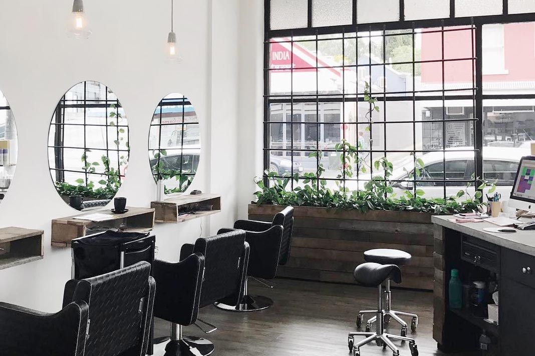 Here's Where To Find A Sustainable, Natural Hair Salon In Your State
