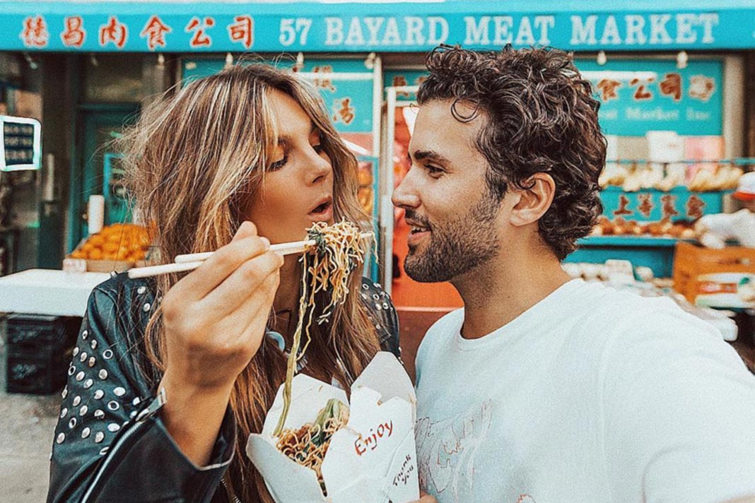 can your partner affect your gut health, Couples Eating Noodles, Tezza