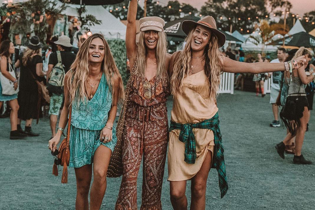 9 Beauty And Style Essentials To Keep You Looking Flawless At Coachella