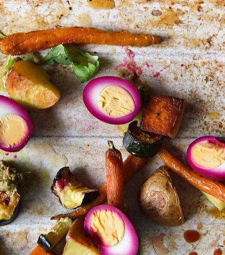 FODMAP-Friendly Beetroot Pickled Eggs & Roasted Veggies Bake Tray