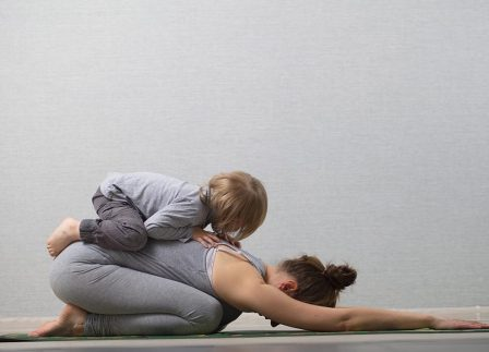 What You Need To Know About Practicing Yoga When You're Pregnant