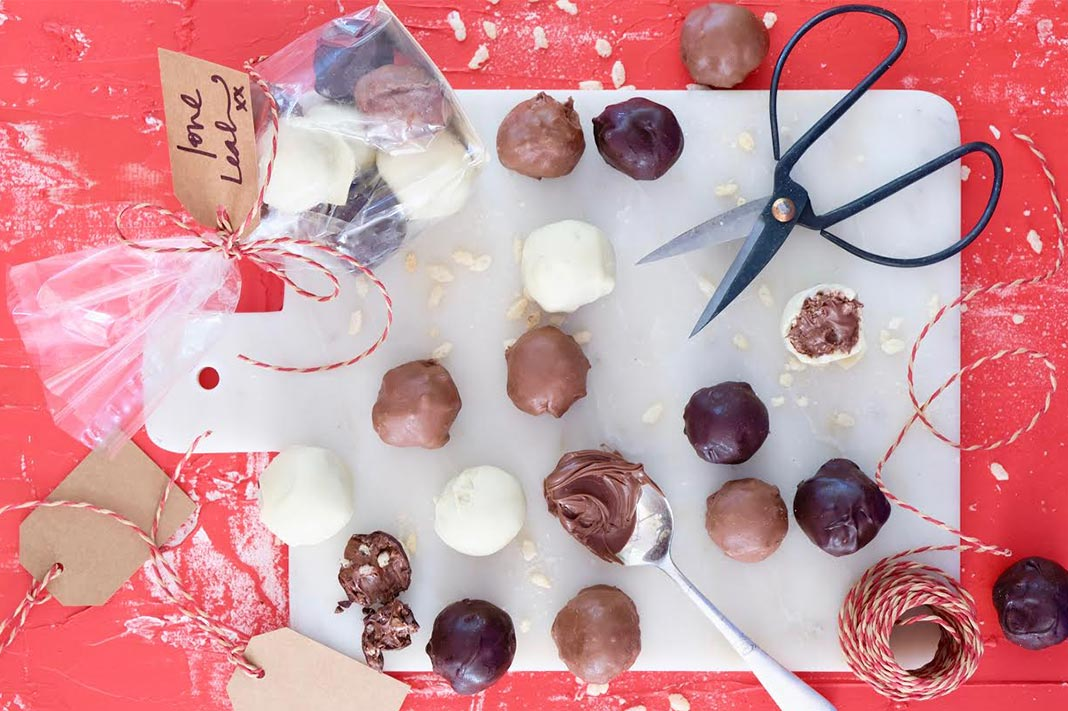 These 3 Ingredient Nutella Truffles Are A Must This XMAS
