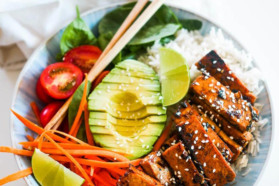 Recipe: This Asian-Style Tofu Bowl Makes Plant-Based Eating Easy
