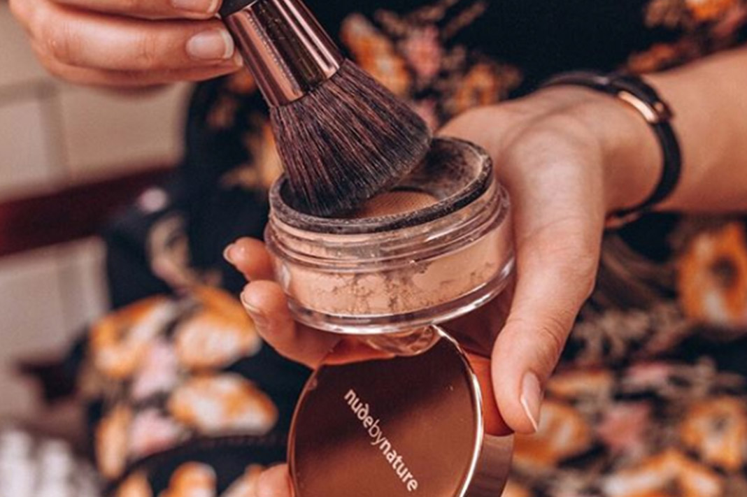 4 Skin Benefits Of Switching To A Natural Mineral Foundation