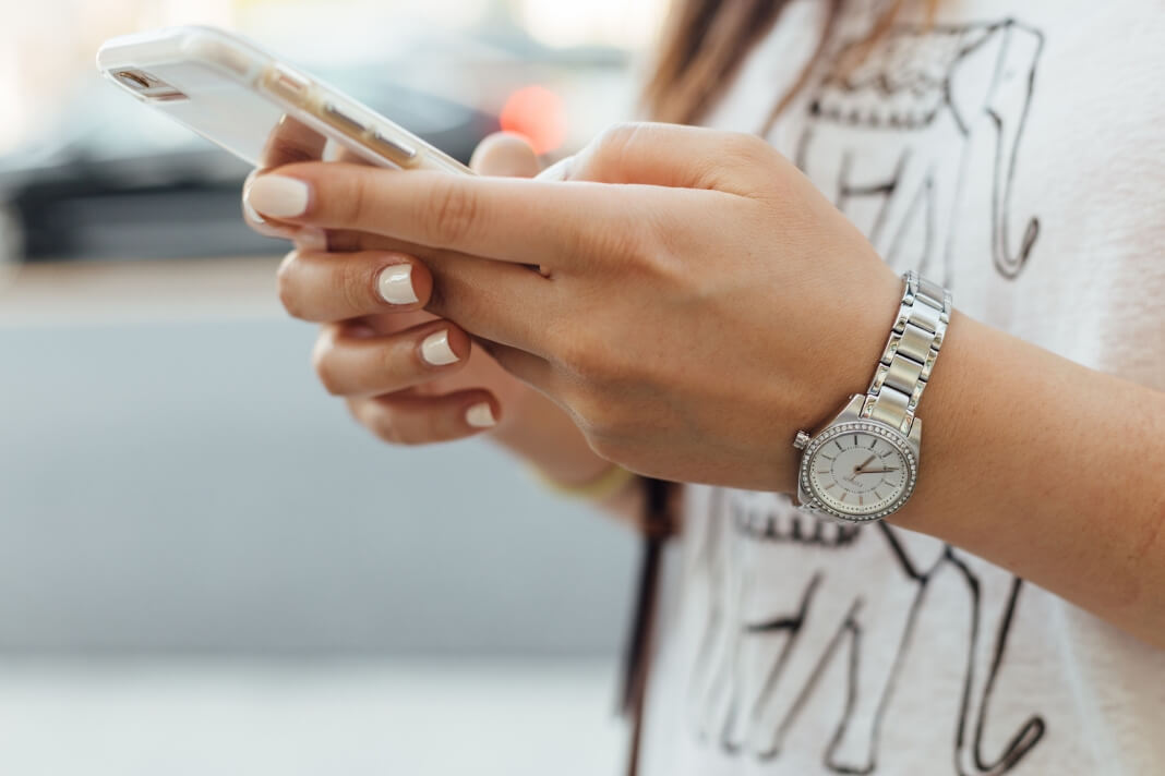 Why You Should Stop Mindlessly Scrolling On Your Phone Every Morning