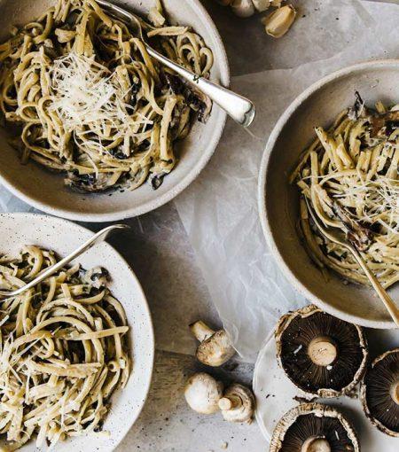 RECIPE: Vegan Pasta Carbonara With Smokey Mushroom & Black Salt