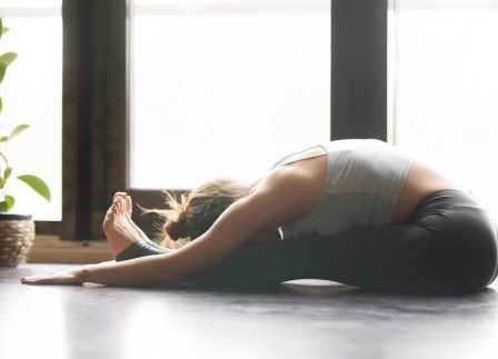 Anusara: The Yoga Practice That Will Bring You A Sense Of Grace & Groundness