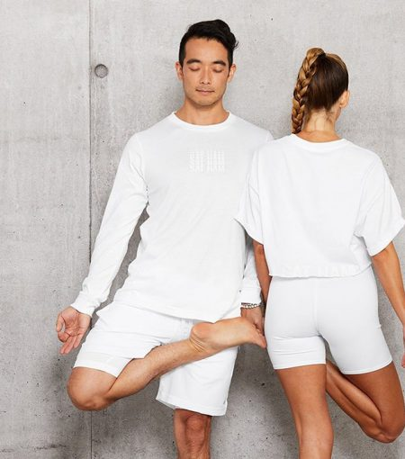 Five To Die For Alo Yoga Items You Can Score On Sale Right Now